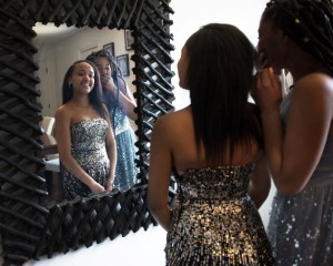 Queens woman struggles to find prom dress